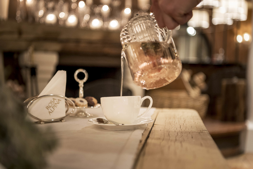 Relax from your day over the pistes with the tea time at Rosa Alpina