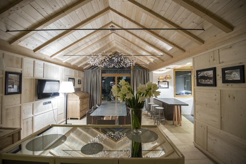 The dining area of Chalet Zeno is spacious and confortable